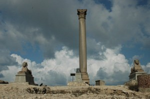 Pompeys-pillar-2